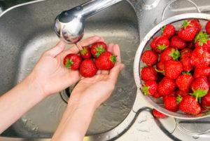 Lavar la fruta para embarazadas
